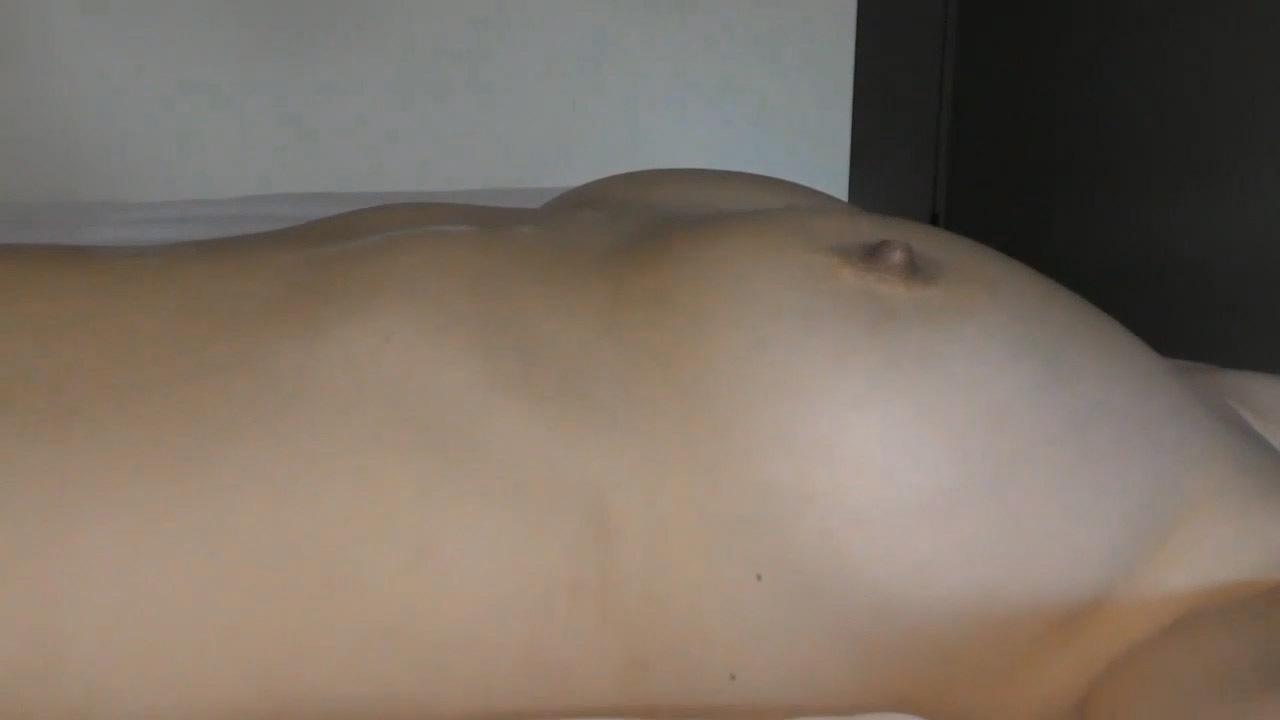 FC2 PPV 977098 【個人撮影】買物の最中に呼び出されて寝取られる巨乳人妻その2 旦那が出て行って本気汁で濡れる人妻