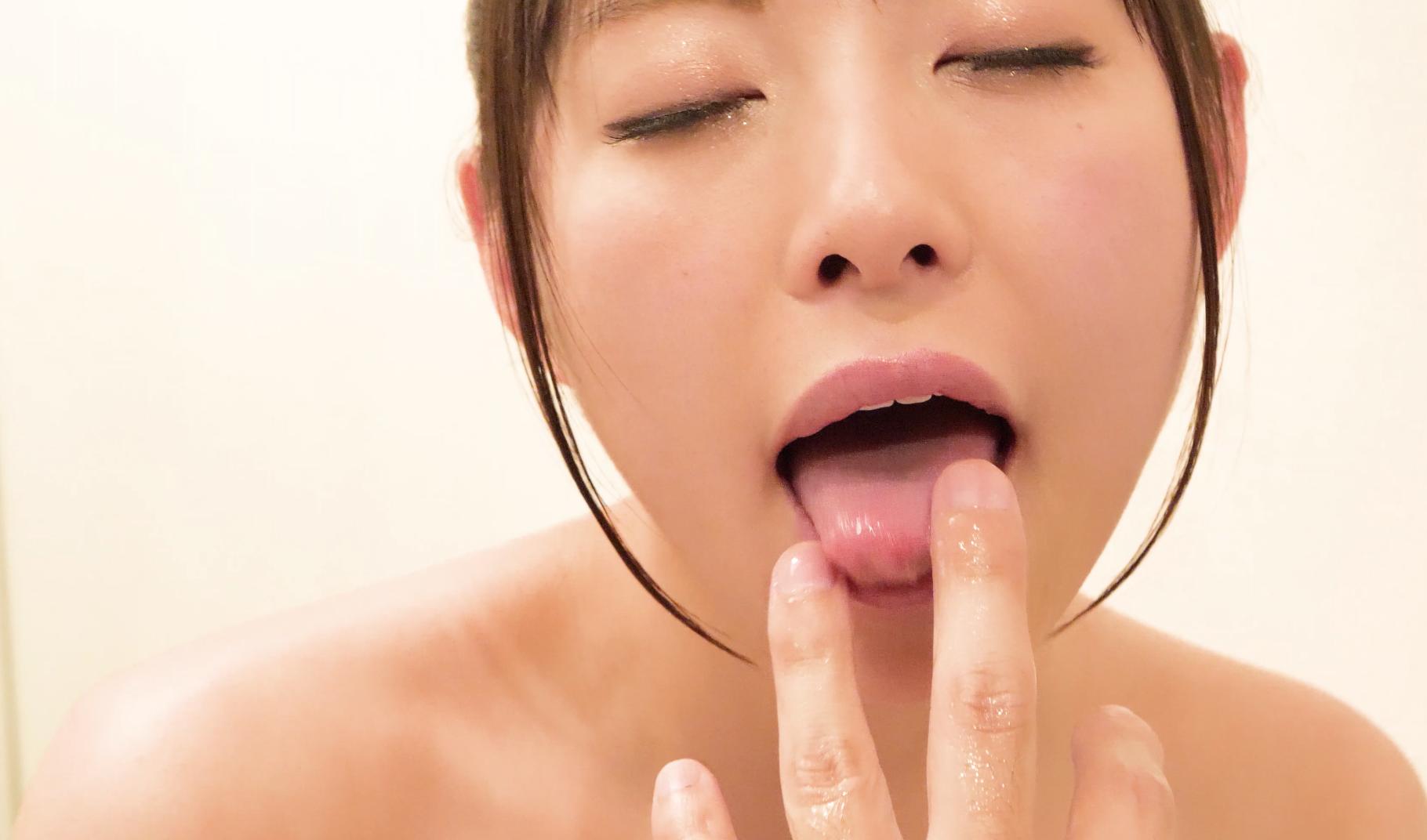 【舌フェチ】大人気女優あおいれなチャンの舌フェチ動画!(パッケージ画像)