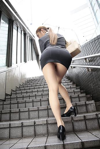 バツイチの奥様がOL、風俗で働いている間にエロハメ撮影