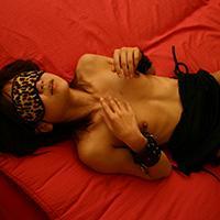 【素人輪姦】ロリ系美女が積極的に男性を求め続けアナルもおねだり:愛海さん